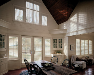 Shutters with front tilt